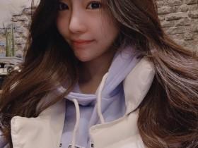 【蜗牛扑克】韩国巨乳美女De Muse 性感比基尼罩不住豪乳