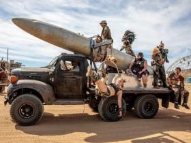 【蜗牛扑克】美国莫哈韦沙漠祭典 现实版的《疯狂的麦克斯4:狂暴之路》