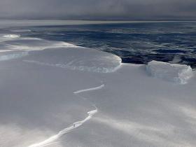 【蜗牛扑克】南极的声音是什么样 南极罗斯冰架收到声音令人恐怖