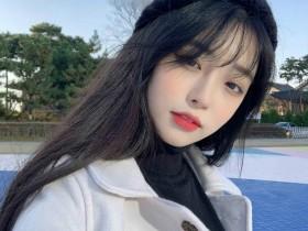【蜗牛扑克】韩国网店模特正妹 高颜值美女放电眼神令人一秒恋爱