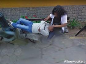 【蜗牛扑克】秘鲁小哥上Google街景地图找路 意外发现5年前妻子出轨照片