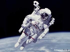 【蜗牛扑克】外国房产公司为刺激买房 推出买房送宇宙旅行机票