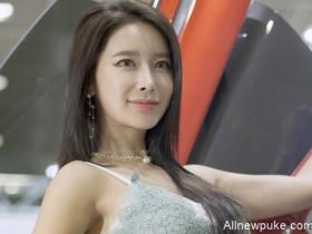 【蜗牛扑克】韩国车模性感饭拍20200220