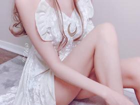 【蜗牛扑克】00后美少女英梨梨 小九妹子性感丝袜诱惑令人想入非非