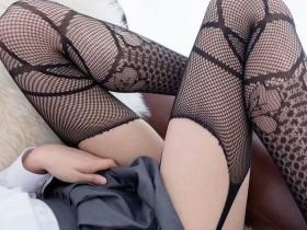 【蜗牛扑克】森萝财团馆丝袜女图片 丝袜性感美腿写真满足丝足控