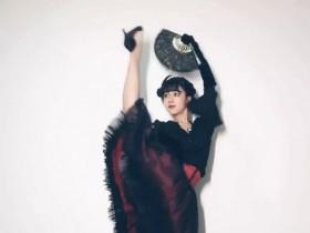 【蜗牛扑克】宛如天鹅起舞般优美的翩翩小姐姐。