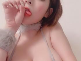【蜗牛扑克】36H李毓解锁泰国浴!乳头的形状让人脸红...