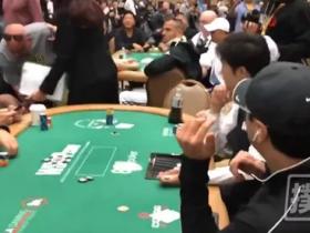 【蜗牛扑克】2019年世界扑克大赛主赛中脱裤子的扑克玩家被判缓刑