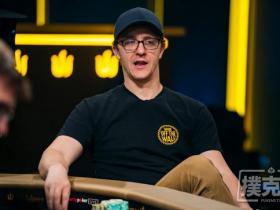 【蜗牛扑克】Kahle Burns在WSOP主赛事中保持筹码领先