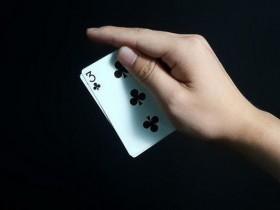 【蜗牛扑克】德州扑克小对子的错误游戏方式
