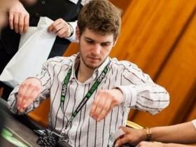 【蜗牛扑克】德州扑克Timofey Kuznetsov拿着A-A底牌连续两次被对手碾压