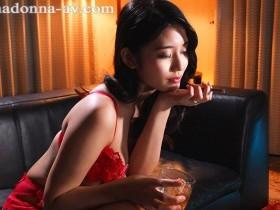 【蜗牛扑克】高级娼妇「神宫寺ナオ」华丽降临有钱人豪宅 传说级「毒龙钻」把主人搞到欲仙欲死