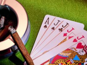 【蜗牛扑克】德州扑克如何游戏大对子和AK
