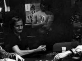 【蜗牛扑克】Stefanie Ungar讲述了她父亲Stu去世的那一天