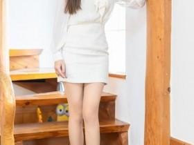 【蜗牛扑克】IMiss爱蜜社 Lavinia肉肉OL套装丝袜长腿迷人
