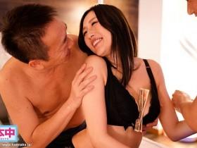 """【蜗牛扑克】欲求不满J奶人妻""""Julia""""趁丈夫不在沈迷于爸爸活 只要给我钱,中出还是多P都可以呦"""