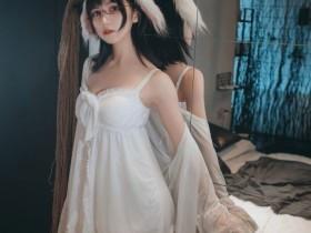【蜗牛扑克】[喵糖映画] 白色私房睡裙