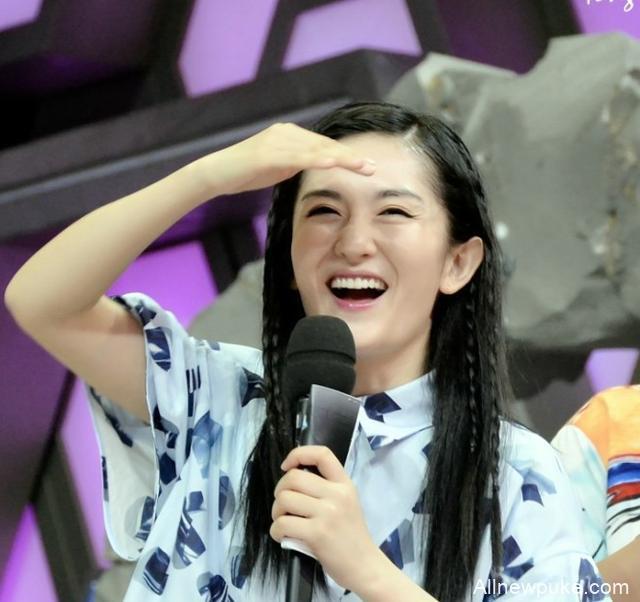 【蜗牛扑克】谢娜复出综艺首秀,带着家乡特产火锅,看看就知道大家都馋坏了!