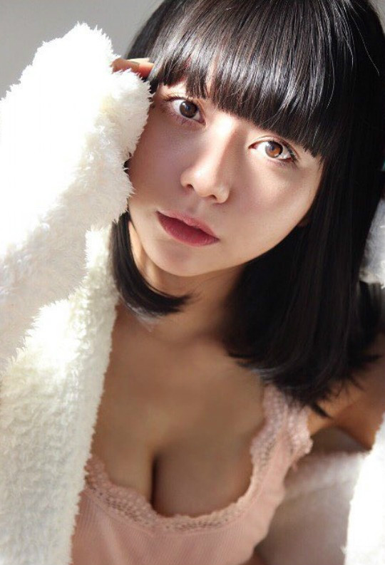 【蜗牛扑克】性感优美美女写真 白雪里子大尺度写真眼神勾人