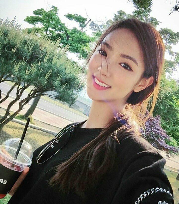 【蜗牛扑克】韩国高颜值网红正妹 甜美气质魅力惊人吸粉数万