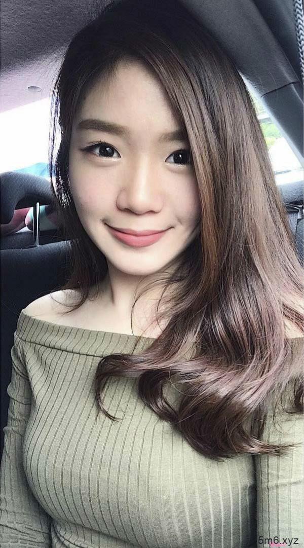 【蜗牛扑克】美女药剂师Ly Huy 清新甜美笑容治愈人心