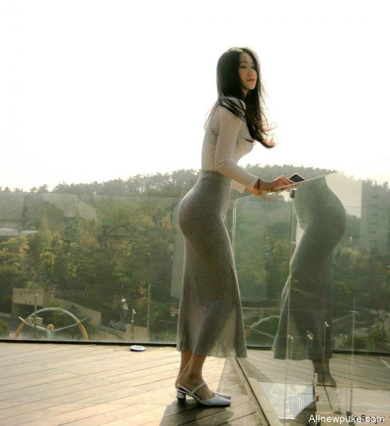 【蜗牛扑克】韩国水蛇腰美女Bora 正妹穿性感紧身衣骆驼趾若隐若现