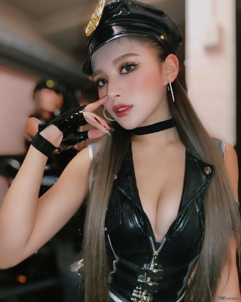 【蜗牛扑克】今日妹子图20200309:日本靓女𝐂𝐇𝐈𝐍 𝐌𝐈𝐑𝐈𝐍欧派曲线太犯规,外型优质惹人爱!