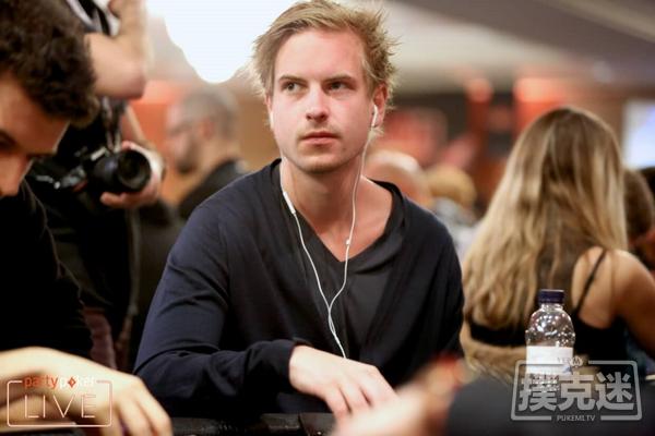 """【蜗牛扑克】""""耸人听闻""""瑞典人Viktor Blom主导在线超级豪客碗"""