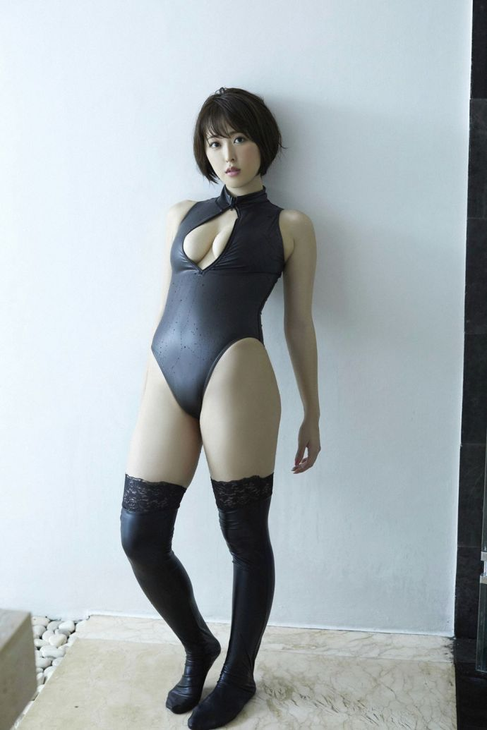 【蜗牛扑克】写真女星:忍野さら