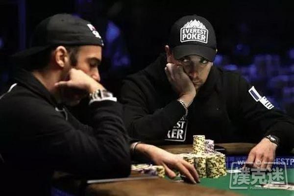 【蜗牛扑克】德州扑克牌桌上最容易露出马脚的5个小动作
