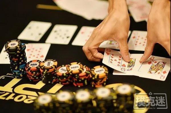 【蜗牛扑克】世界德州扑克冠军和我们的区别:起手AA,他却毫不犹豫选择弃牌!