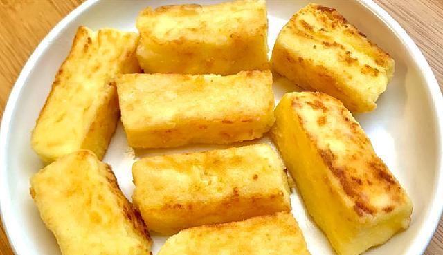 """【蜗牛扑克】教你网红美食""""煎牛奶"""",3步就做好,奶香浓郁,外酥里嫩超好吃"""