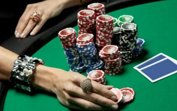 【蜗牛扑克】德州扑克如何从松鱼身上实现利润最大化