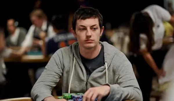 【蜗牛扑克】德州扑克面对松凶玩家我们容易产生的错觉