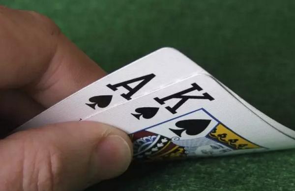 【蜗牛扑克】德州扑克再加注不用那么大
