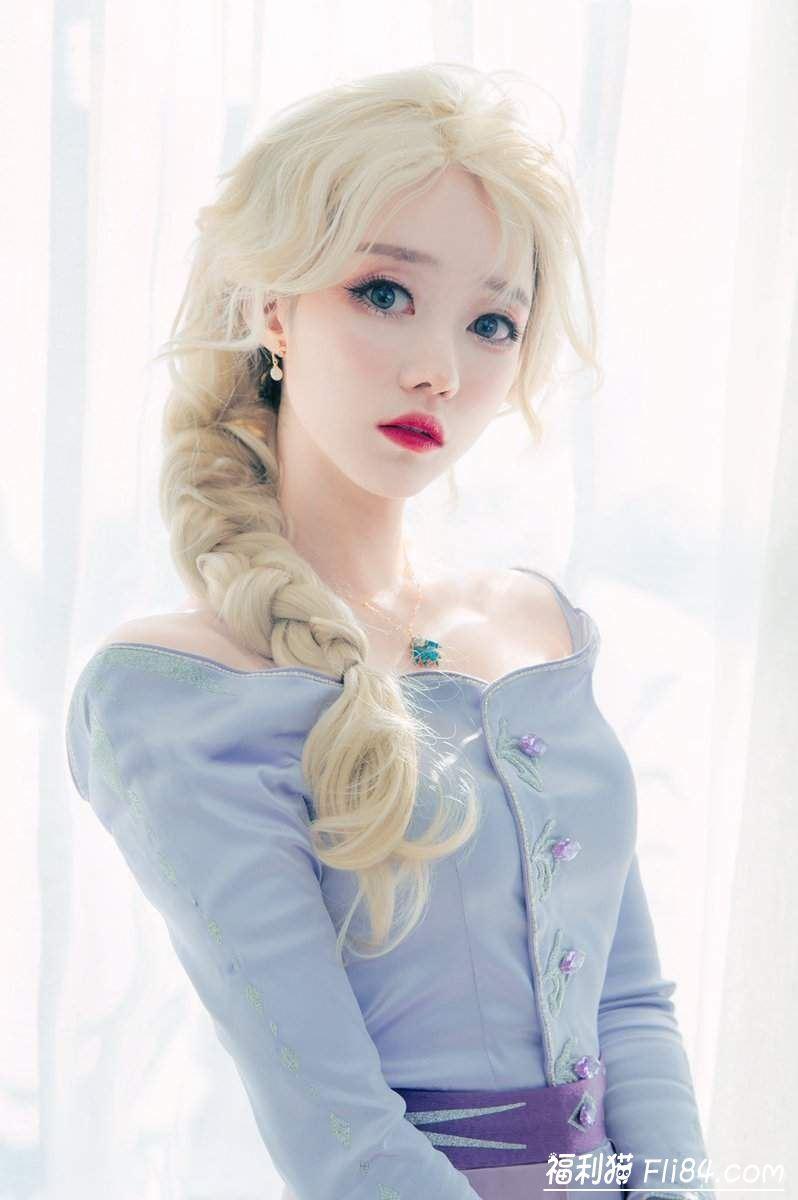 【蜗牛扑克】韩国正妹SAIDAcos《冰雪奇缘2》艾莎+安娜双主角不同的造型一次呈现!