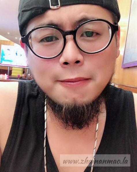 【蜗牛扑克】速来围观!台湾Youtuber硬汉兄弟食女神片流出!