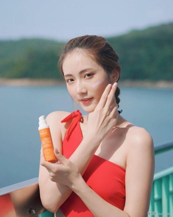【蜗牛扑克】半裸西贡游船河!港姐2019蔡嘉欣泳衣合集!