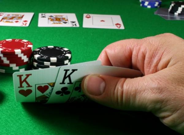 【蜗牛扑克】微注额德州扑克的制胜之道