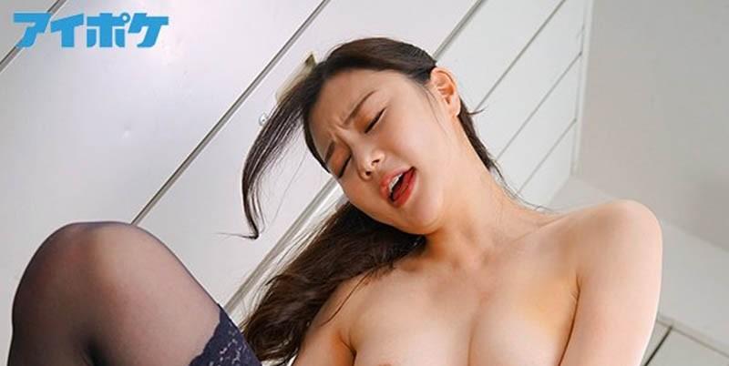 """【蜗牛扑克】170公分美腿女教师""""白峰ミウ""""一上课就逼我舔她黑丝袜 受不了要进入也是可以呦"""