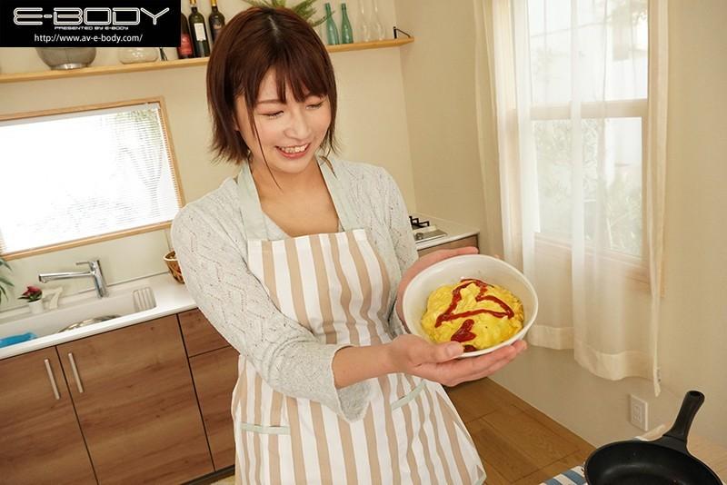 【蜗牛扑克】很会做饭更会炒饭!超大型专属、175公分G奶的瀬田一花是最想让人娶回去的新人! …