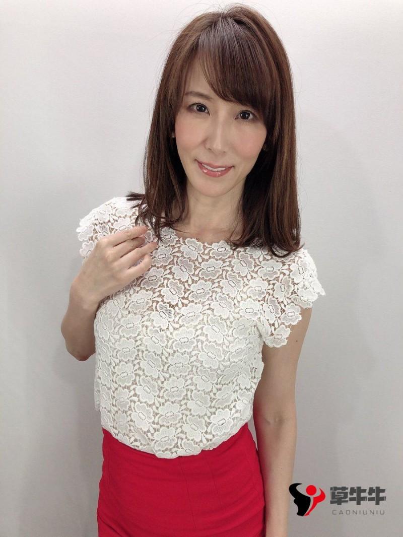 【蜗牛扑克】熟女界影后级别的存在,直到今天都还是发片神器,泽村玲子(Honami Takasaka)