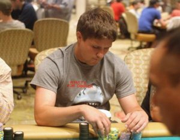 【蜗牛扑克】追逐德州扑克只因喜欢