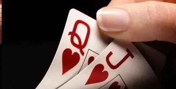 """【蜗牛扑克】手握德州扑克""""大牌""""带来的隐患"""