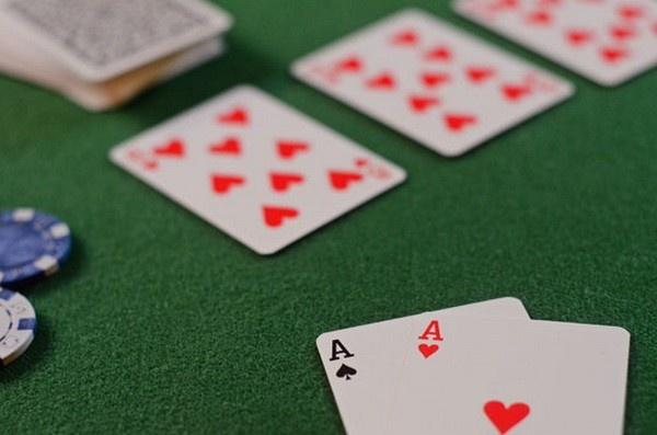 【蜗牛扑克】德州扑克同花听牌的基本玩法