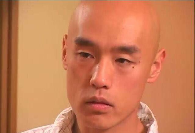 【蜗牛扑克】男优收入解密!能和吉泽明步为爱鼓掌射一发的炮金是?