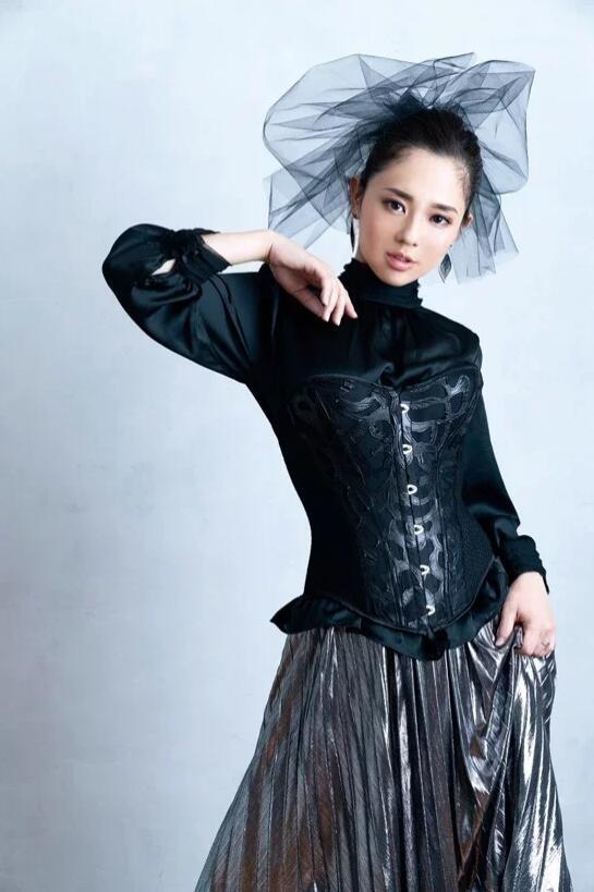 【蜗牛扑克】最容易去当艾薇女艺人的日子是11月11日!为什么?