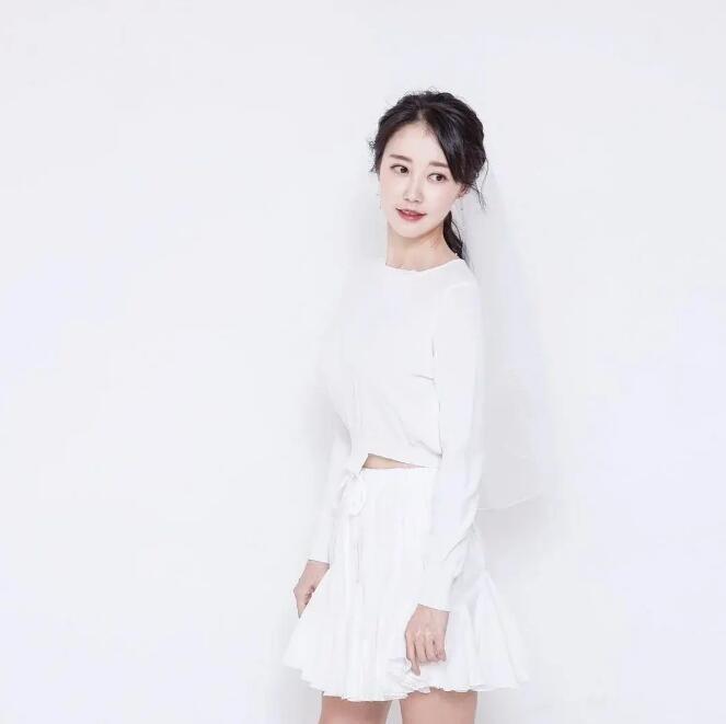 【蜗牛扑克】金花媛 韩国高颜值限制级女星美照分享及个人资料