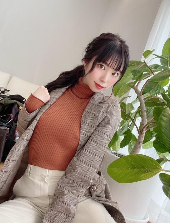 【蜗牛扑克】美波小津绘(美波こづえ)个人资料及作品KIRE-029:不爱穿内衣的D杯眼睛美少女艾薇出道!