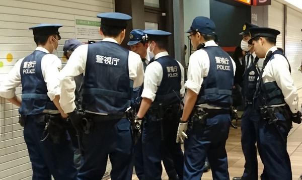 【蜗牛扑克】日本某黑帮非法扑克室被警方捣毁